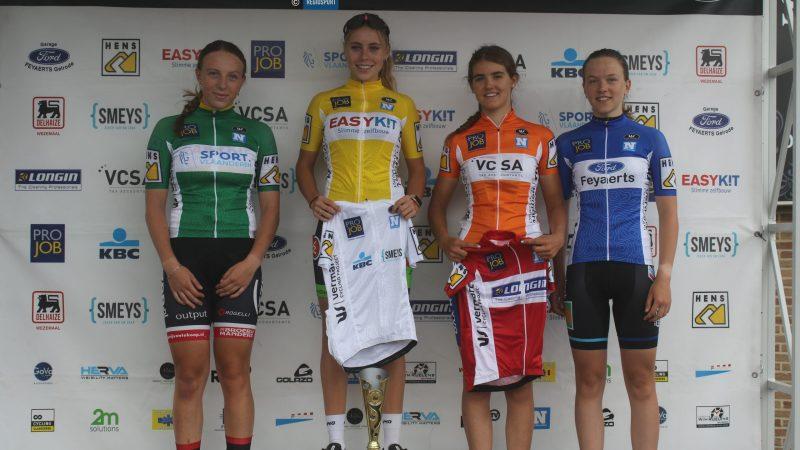 Nieuwelinge Britt Huybrechts wint tot haar eigen verrassing eerste tweedaagse van het Vermarc Cycling Project!