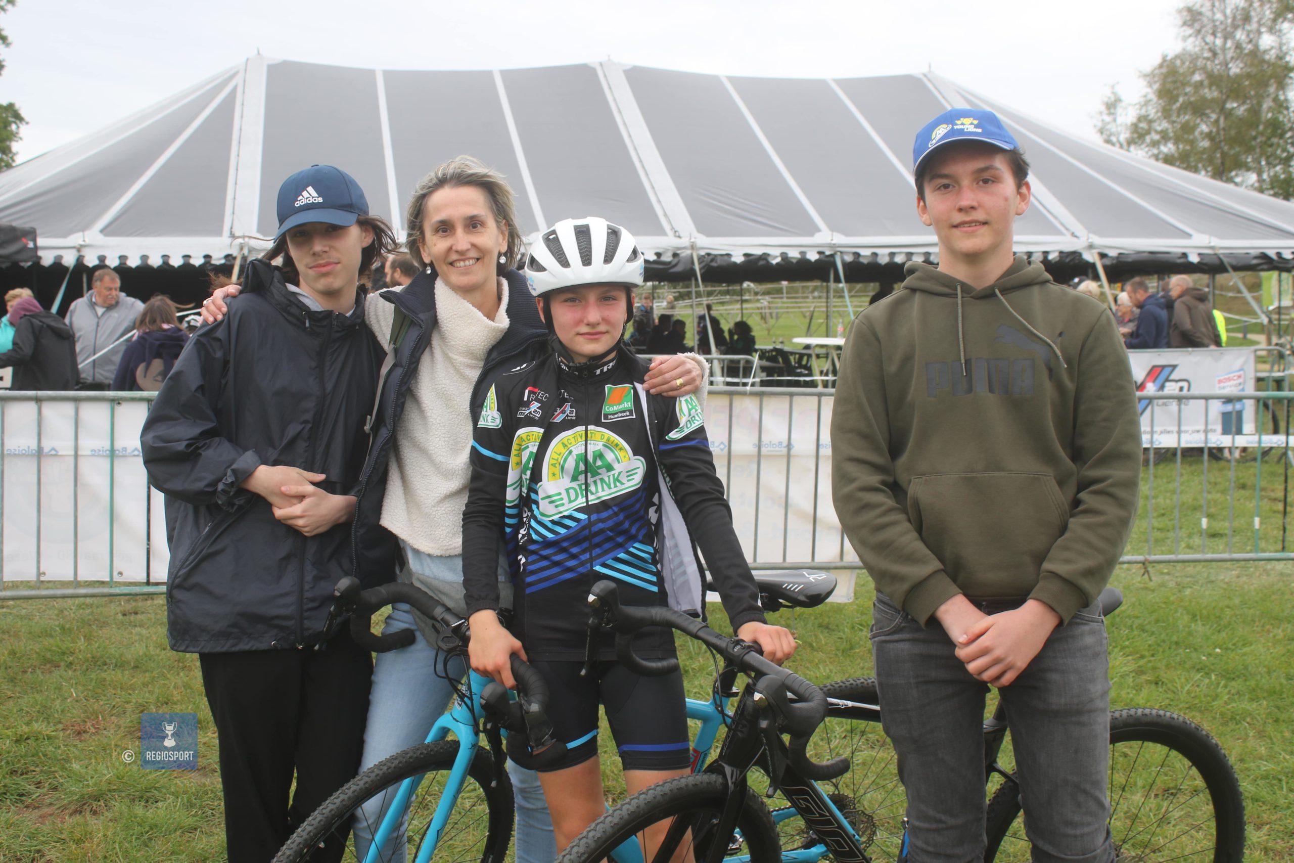 Dertienjarige aspirante Amelie Thomeer in haar sas op de Balenberg
