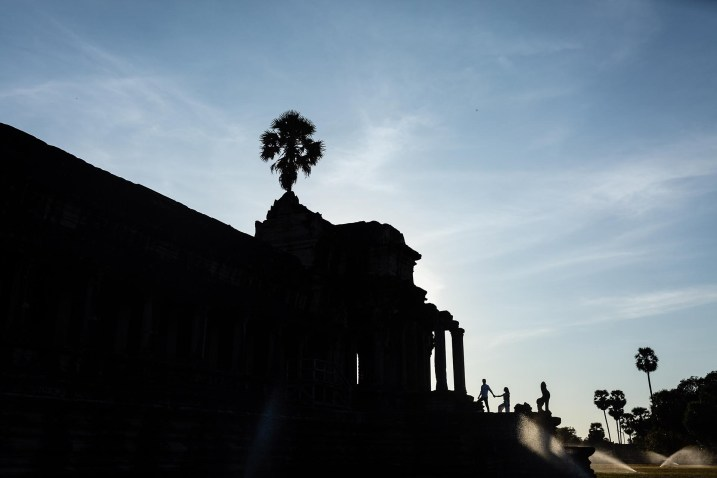 Couple Photo shoot in the temples of Angkor