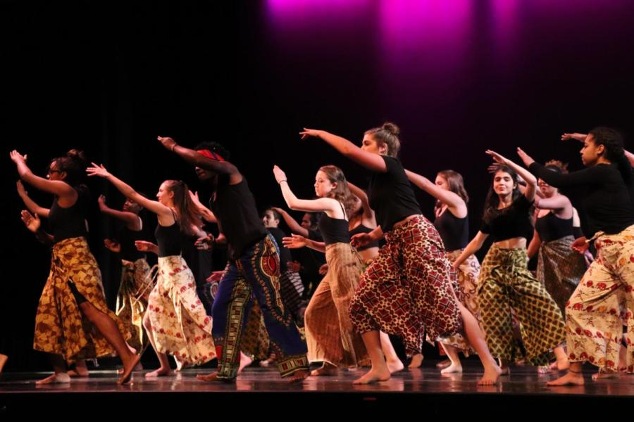 DANCE%2Fworks+featured+fifteen+pieces.