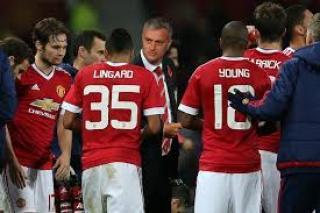 Manchester United Diminta tak membuang Waktu atas Kekalahan dari City