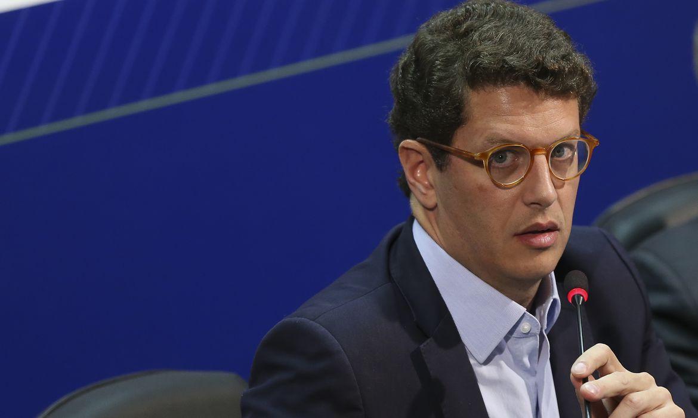 RICARDO SALLES  É ALVO DA POLÍCIA FEDERAL NA OPERAÇÃO AKUANDUBA QUE APURA CRIMES AMBIENTAIS