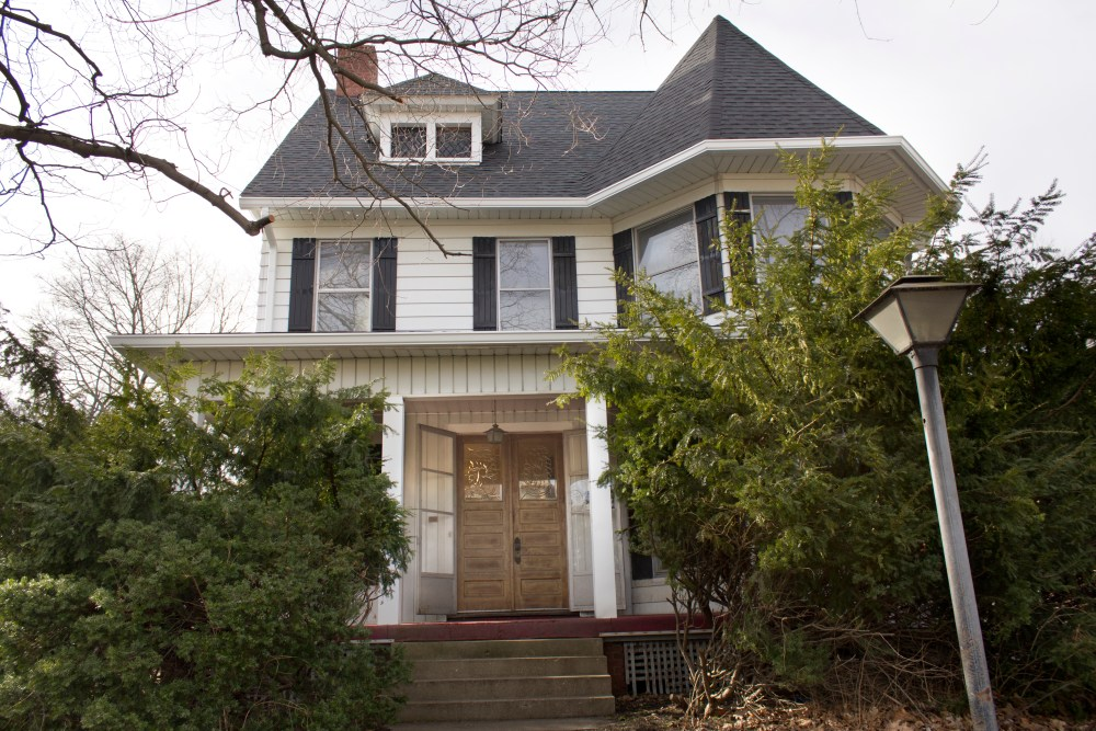 Victorian Queen Anne Fixer Upper House Tour - The Before Pictures