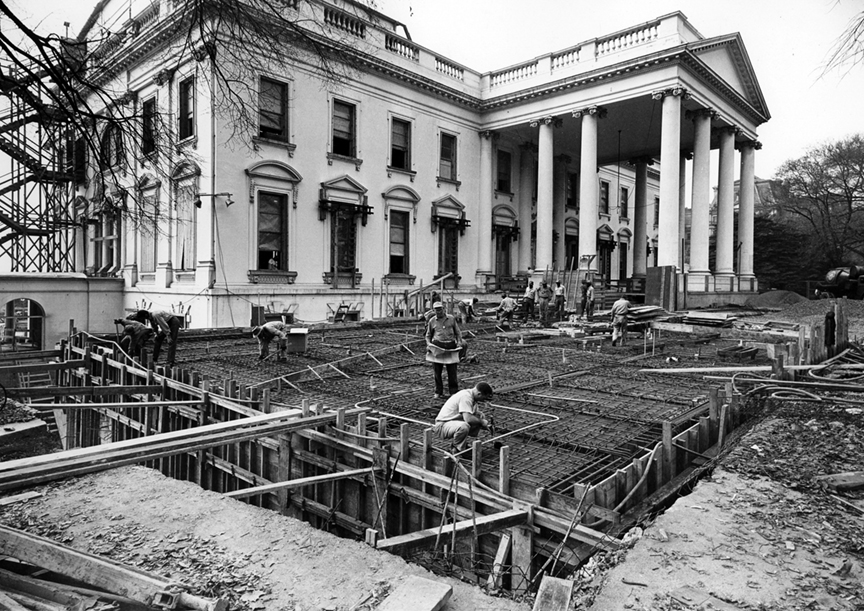 These 1950's white house renovation photos will delight you!