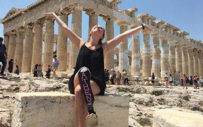Μια Αμερικανίδα στην Ευρώπη, με το προσθετικό της πόδι