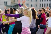 Bild-50-Zumba-Flashmob-Brandenburger-Tor