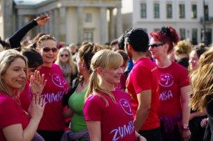 Bild-79-Zumba-Flashmob-Brandenburger-Tor
