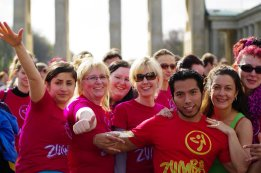 Bild-85-Zumba-Flashmob-Brandenburger-Tor