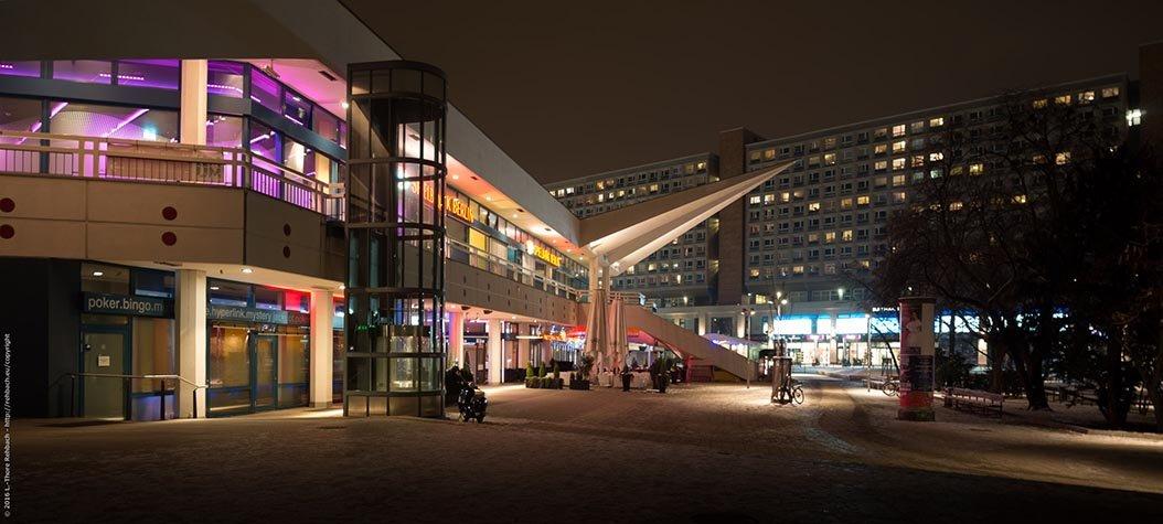 Am Alexanderplatz bei Nacht