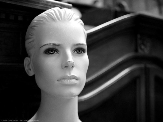 _1180847-mannequin_flohmarkt-article