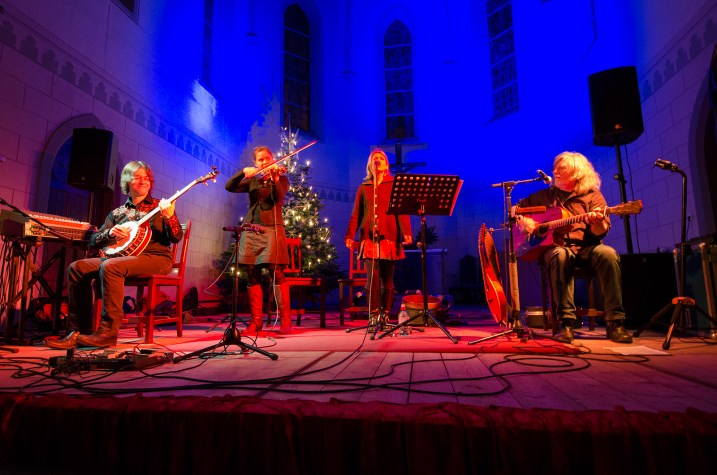 Buckley´s Chance - Acoustic World Music, Konzert am 11.12.2015 in der Friedenskirche Leipzig; Foto: Andreas Reichelt