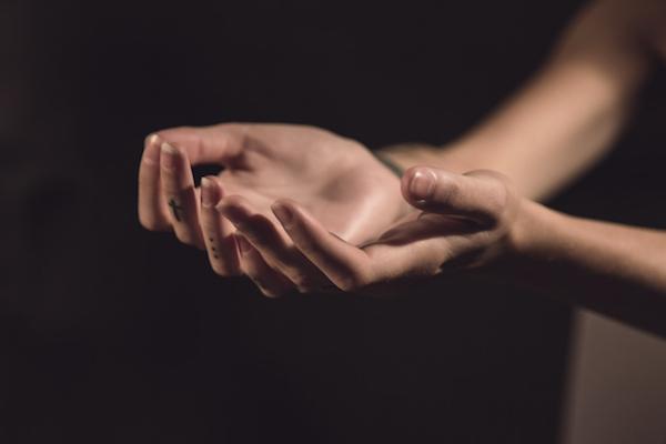 Limpiar, curar y equilibrar los Chakras de la mano