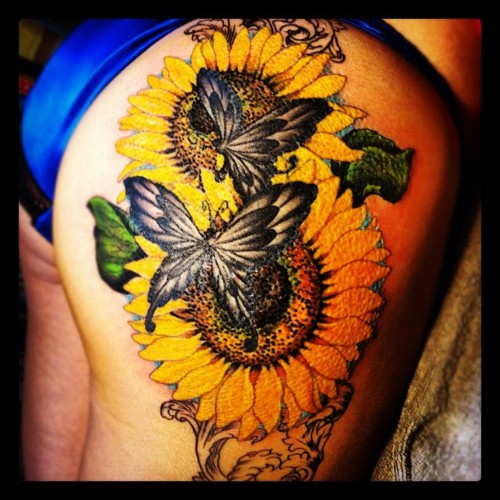 tattoo,タトゥー,ひまわり,Sunflower,State of Liberty,花,蝶,ちょう, butterfly