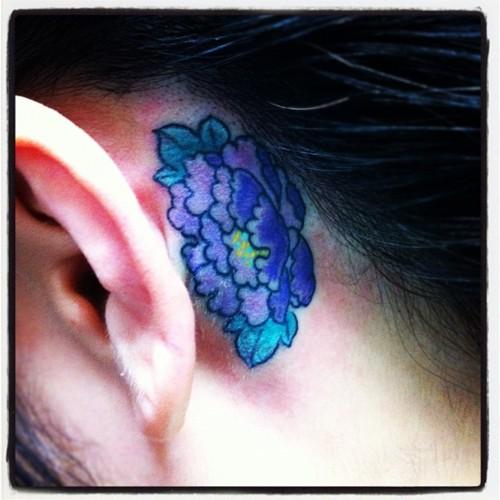 flower,牡丹,耳の後ろ,タトゥー,tattoo