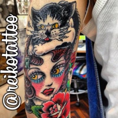 #girl #cat #rose #tattoo #alleycat #ガール #猫 #どら猫 #バラ #タトゥー #reikotattoo #チーク赤過ぎ #ドルバッキー