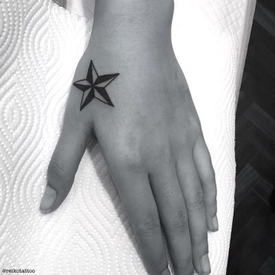 #star #nordicstar #tattoo #星 #ノルディックスター #タトゥー #reikotattoo #studiokeen #名古屋 #大須 #矢場町