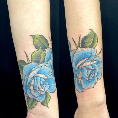#coveruptattoo #blueroses #カバーアップタトゥー #青いばら...#tattoo #reikotattoo #studiokeen #japan #nagoyatattoo #tokyotattoo #irezumi #タトゥー #刺青 #名古屋 #大須 #矢場町 #東京