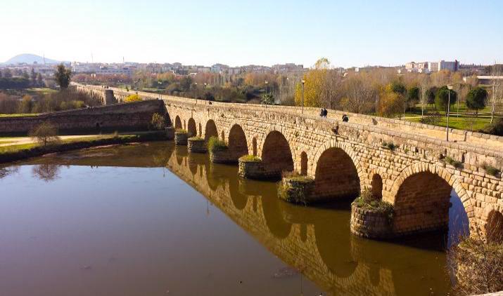 Puente romano de la ciudad de Mérida en España