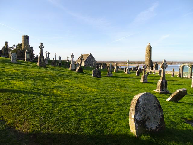 Abadía de Clonmacnoise en el condado de Athlone