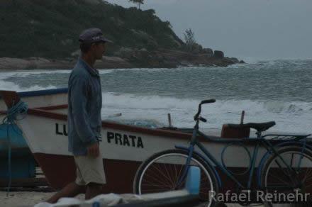 O Pescador, o Barco e a Bicicleta