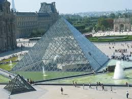 pyramide-paris