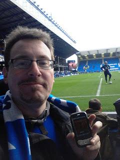 """März 2012: Unser Hörer und Community-Mitglied """"Evertonian"""" in seinem Lieblingsstadion, dem Goodison Park der Toffees, sprich des FC Everton. Thanks!"""