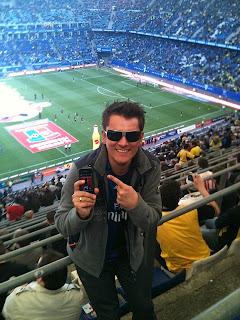 April 2011: Hoobs im Volksparkstadion bei HSV gegen Dortmund