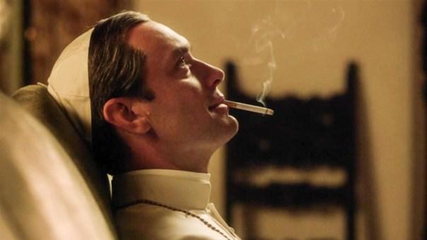 El Vaticano echa humo con Jude Law