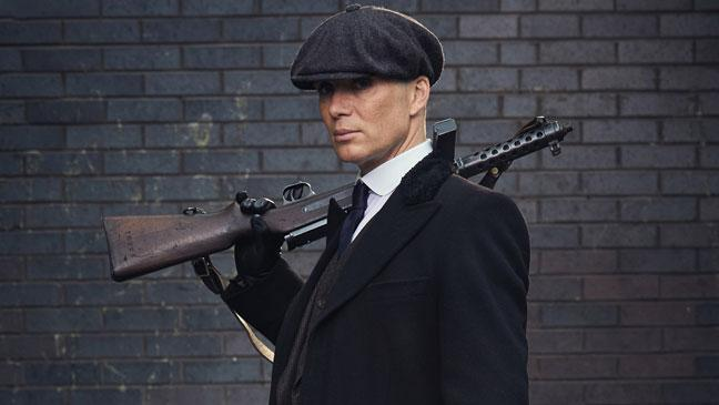 El actor Cillian Murphy interpretando al jefe de los Peaky Blinders