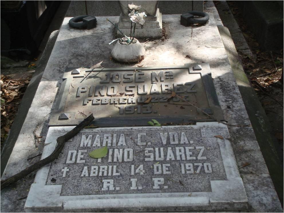 Huellas del día de muertos 2: las tumbas vacías del Panteón Francés de la Piedad (4/5)