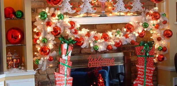 simple-red-and-white-christmas-decorating-themes-at-christmas-mantel-fireplace-decorations-2013