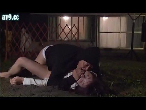 買い出しに出た人妻が変質者に襲われ巨根で犯されるれイプ 動画 38.5度無料