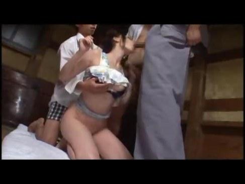 田舎の未亡人が村中の男達に輪姦され蹂躙されてるれイプ 動画 38.5度無料