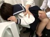 トイレや倉庫で毎日犯され続け自尊心を失う貧乳娘のれイプ 動画 38.5度無料
