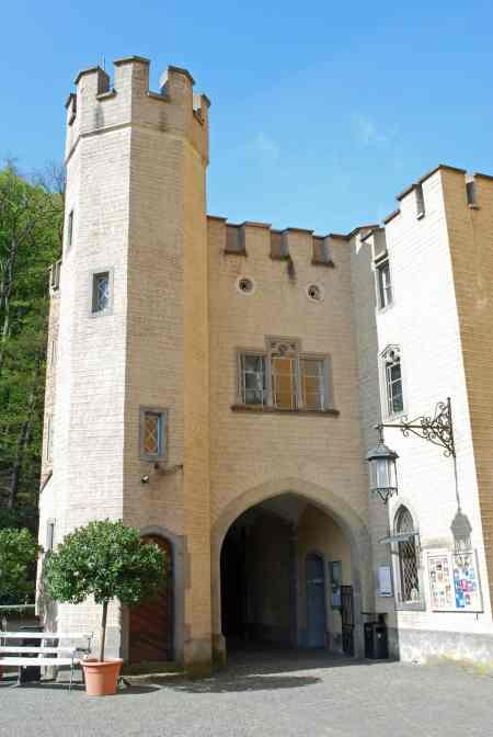 Schloss Stolzenfels Koblenz ingang