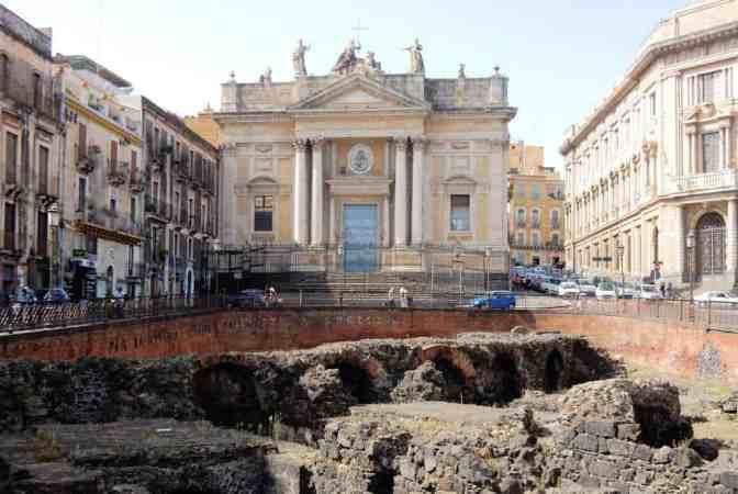 Romeins amfitheater van Catania, Piazza Stesicoro