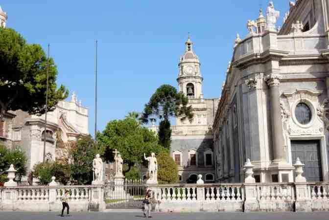 Kathedraal Catania, Piazza del Duomo