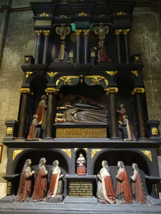 St. Patrick's Cathedral - Boyle Grafmonument (1632).