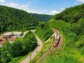 Geislinger Steige Zug und Auto
