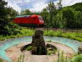 Knoll Denkmal mit Zug