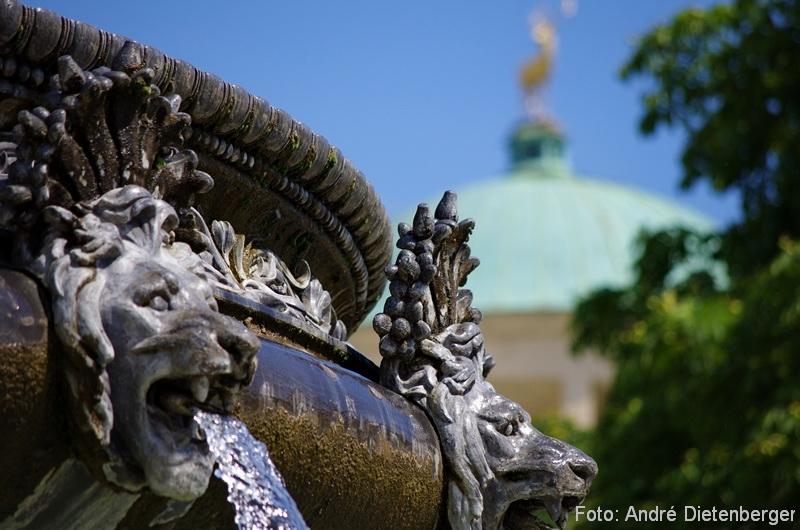 Stuttgart - Schlossplatz Detail