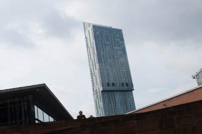 Hilton i Manchester ligger i byens høyeste bygning, og den er godt synlig overalt.