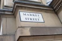 Market Street er den store gågaten i sentrum. Her er det alltid folksomt.