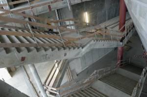 Treppen, die noch nirgendwohin führen, außer zu Traumaussichten. Aber doch irgendwie ästhetisch.
