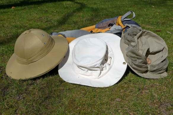 Tropenhlem, Tilley Hat und Angelhut mit Moskitonetz