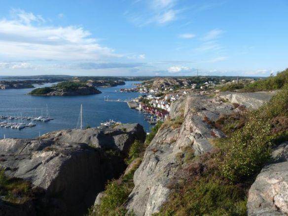 Blick vom Vetteberget, im Vordergrund die Kungsklyftan. Hier sprangen Ronja und Birk...