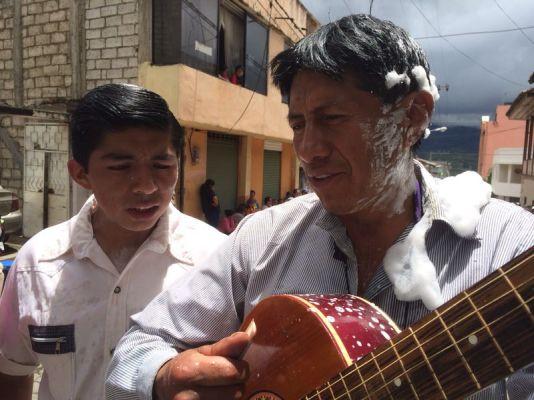 Sänger und Gitarrist Karneval San Miguel de Bolívar