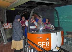 Fahrt mit einer Rettungskapsel im Blanken Hans in Büsum.