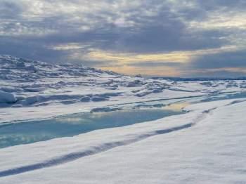 Panorama Sonnenuntergang über dem Eis