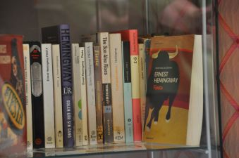 Bücher_Hemingway_Zimmer_Hotel_La_Perla